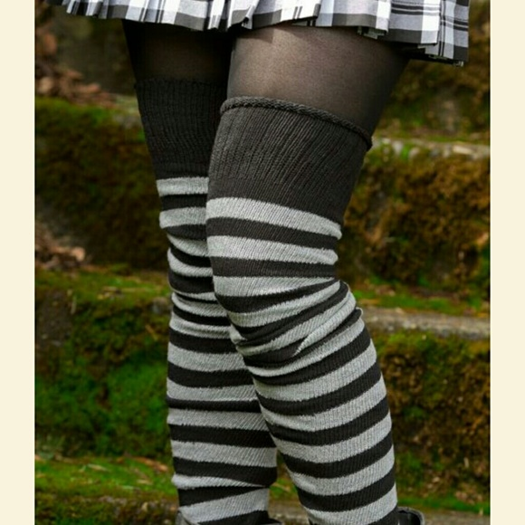 ed8c966db Striped thigh high socks. M 5a4e68f033162781850109b6